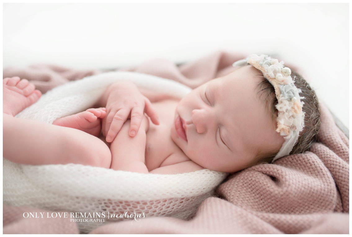 Only Love Remains | Houston Newborn Photographer | www.onlyloveremainsphotography.com_0101